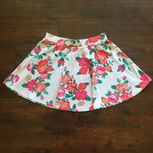 Ambiance floral skirt size Large